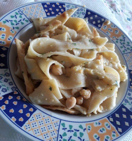Ciceri e tria piatti salentini