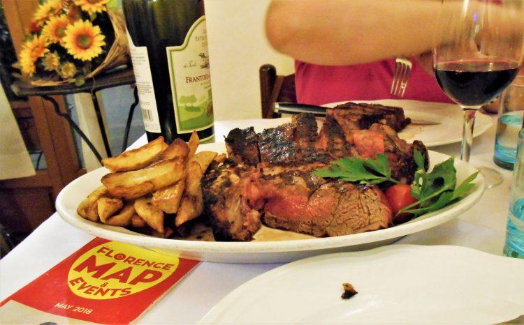 bistecca alla fiorentina - piatti tipici firenze