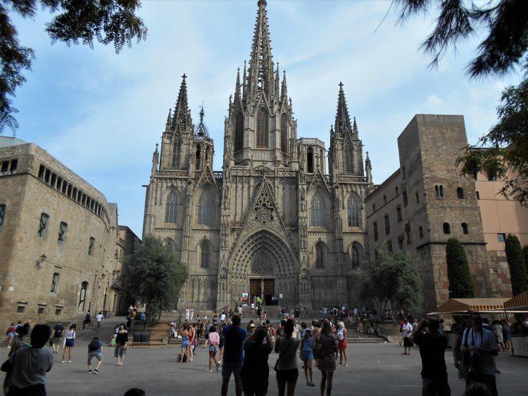 cattedrale di barcellona-souvenirdiviaggio (2)