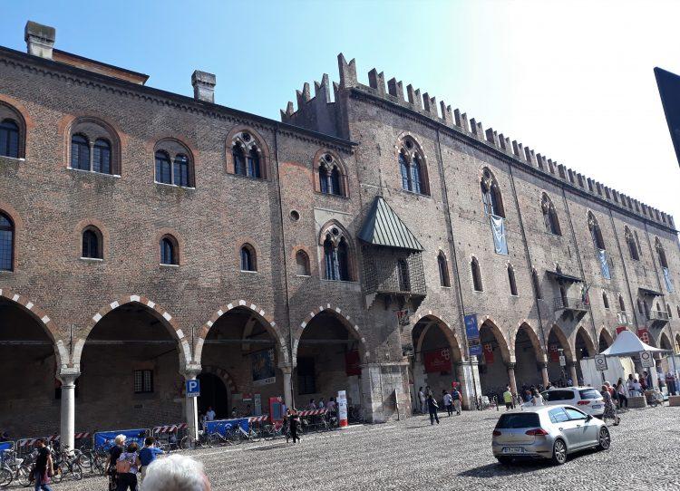 palazzo ducale-souvenirdiviaggio