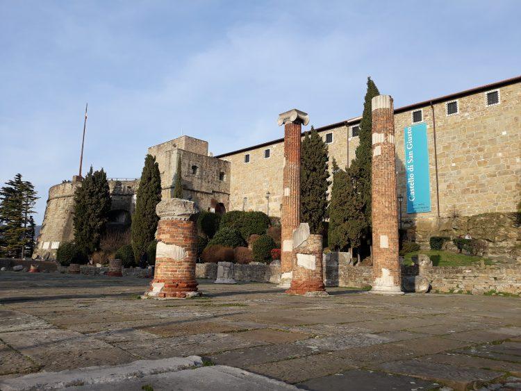 basilica romana-trieste-souvenridiviaggio