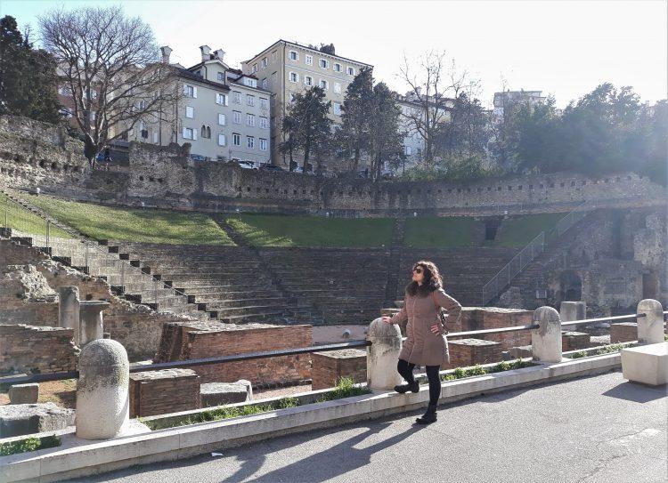 teatro romano-trieste-souvenridiviaggio