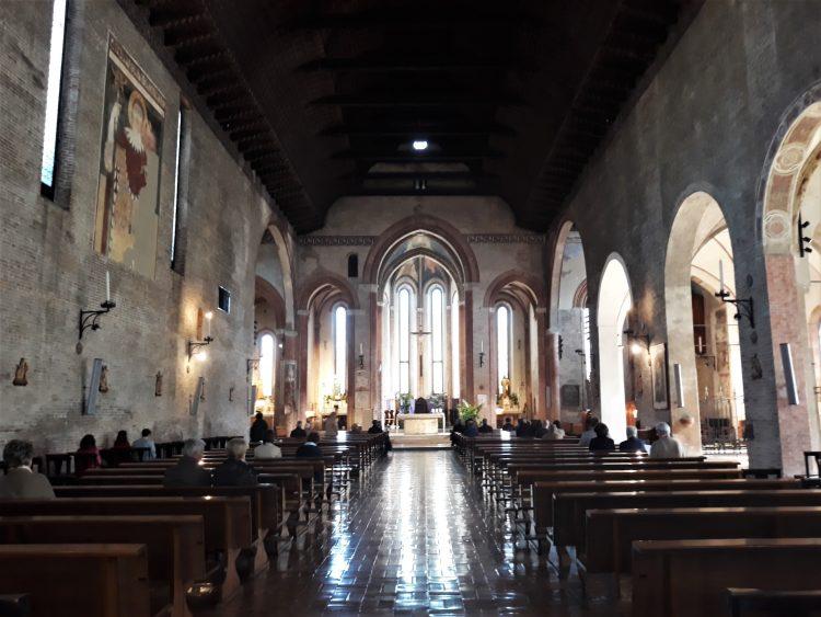 interno chiesa di san francesco-treviso