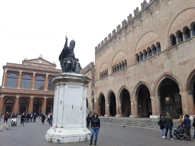 Teatro Galli, Palazzo Podestà,e statua Carlo V, Rimini