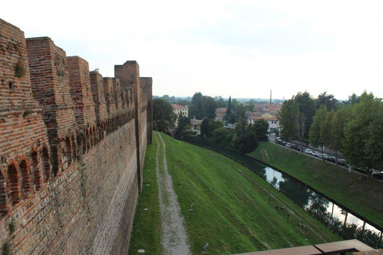 mura dall'esterno cittadella