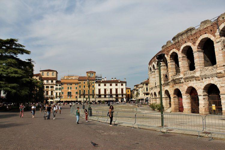 Verona, Piazza Bra (2)