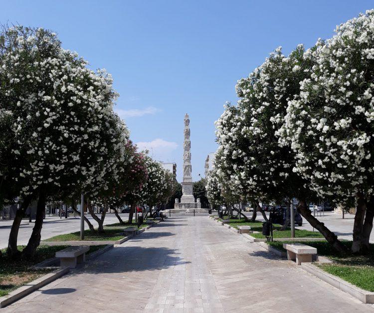 obelisco lecce