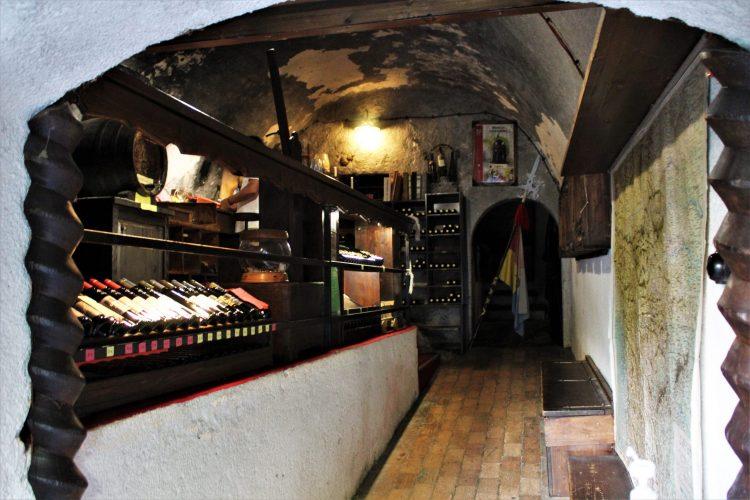cantina di vini-castello di bled