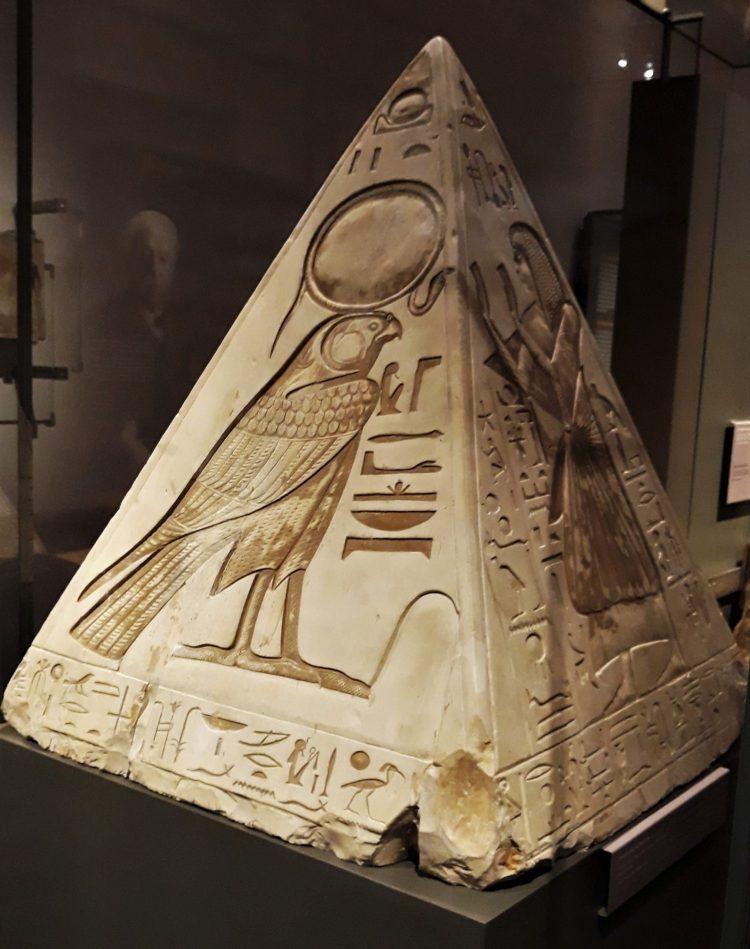 Pyramidion di Ramose-museoegizio di torino