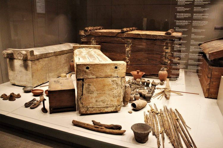 tomba degli ignoti-museo egizio di torino