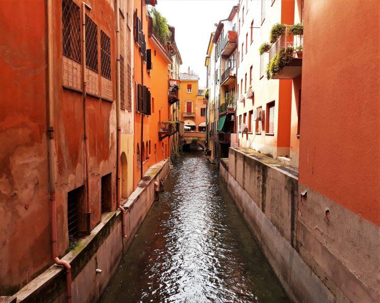 canali di bologna