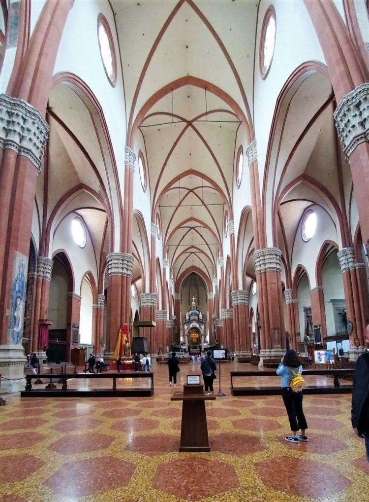 interno basilica di san petronio-bologna
